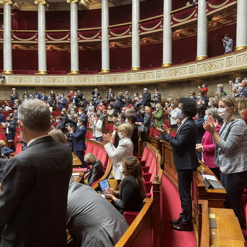 Vote en faveur de la loi bioéthique en dernière lecture à l'Assemblée nationale.
