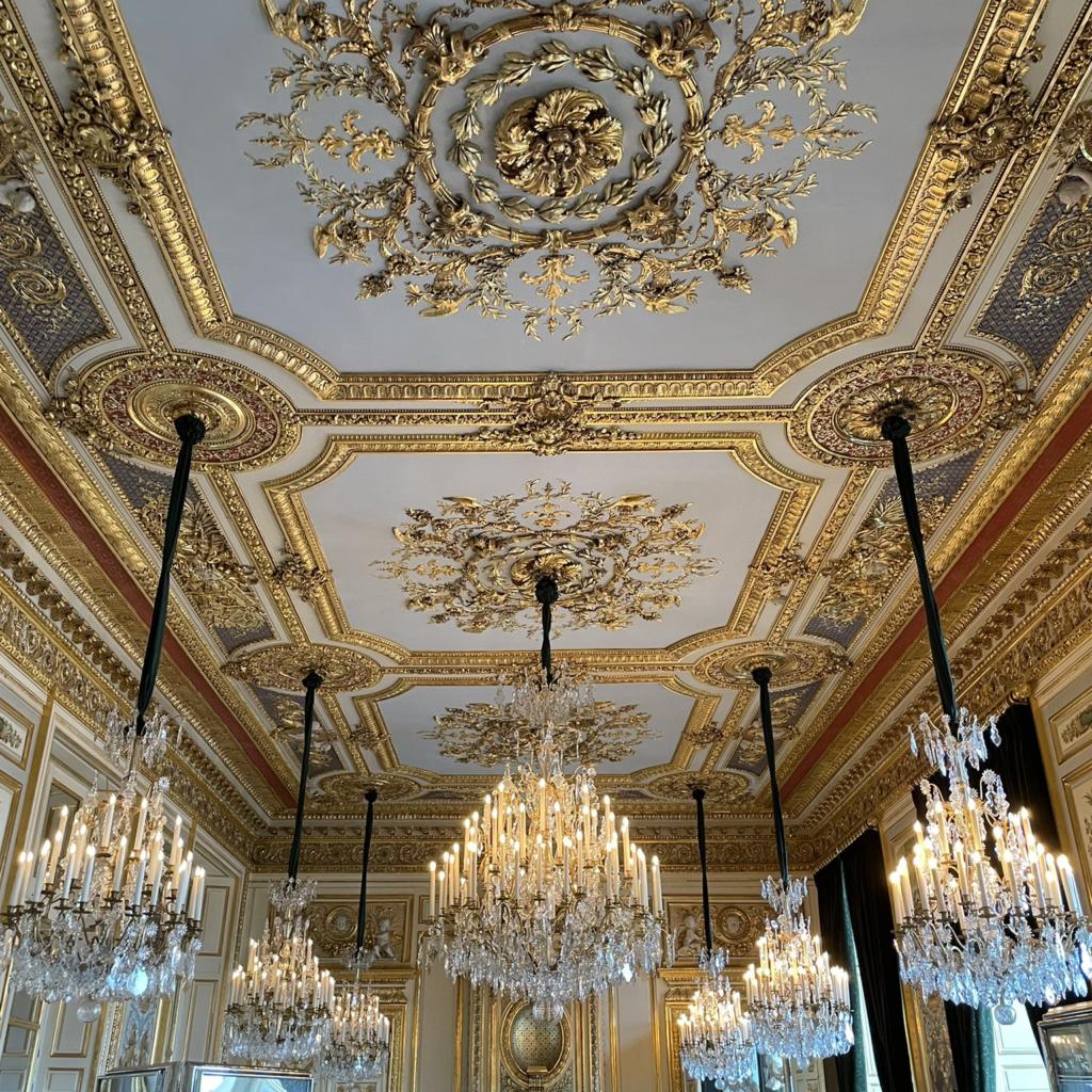 Visite de l'Hôtel de la Marine sur la place de la Concorde.